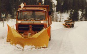 Brøyting med M-B 2626 ca 1980.